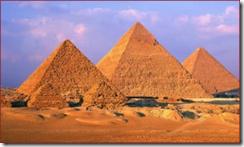 Египетские пирамиды в Гизе. Пирамида Хеопса, Хафрена и Микерина.