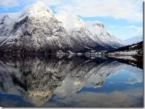 Горное озеро Норвегии