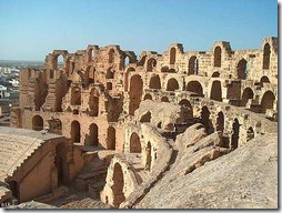 римский колизей в Тунисе