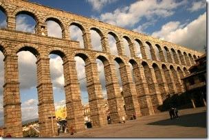 Римский Акведук в Сеговии. Достопримечательности Испании