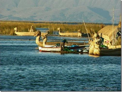 Плавучие острова на озере Титикака