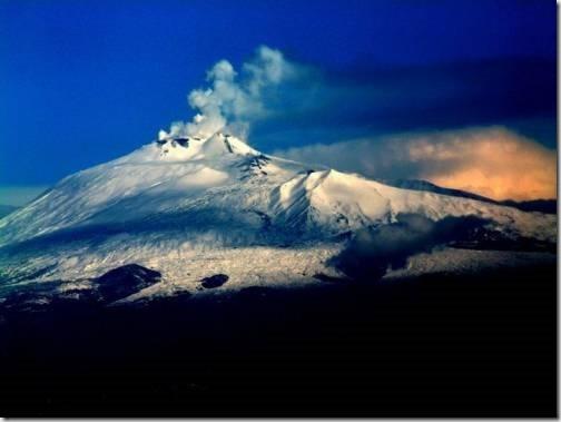Вершина Вулкана Этна на Сицилии