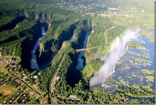 Река Замбези и водопад Виктория