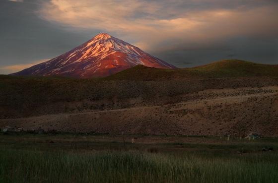 Самый высокий вулкан Азии Дамаванд
