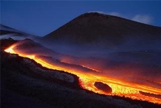 Вулкан Этна. Видео Извержений. Где находится и как посетить?