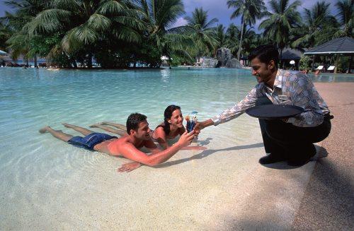 Обслуга, Мальдивы