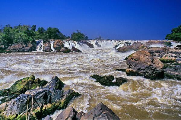 Фото: Водопад на реке Меконг