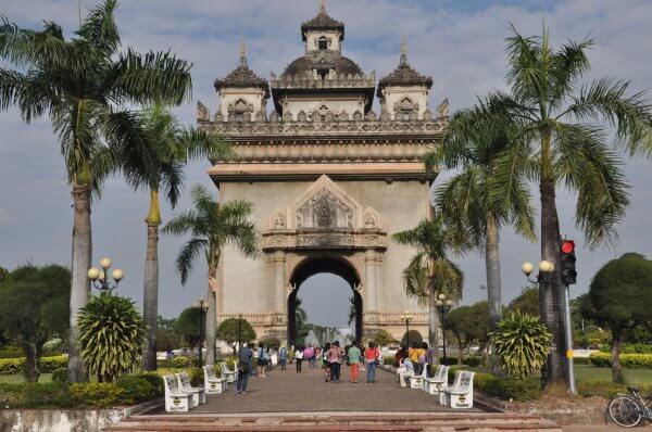 Фото: Триумфальная арка Патусай
